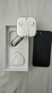 Apple iPhone 7128GB Black Unlocked Smartphone Box and all accessories
