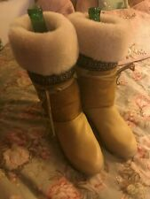 Sorel ShearllngSuede Leather Boots....Size 6.5