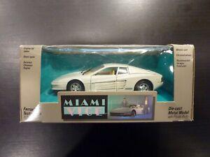 Burago Miniature 1/24 Miami Vice Ferrari Testarossa 5001 Testors Boîte d'Origine