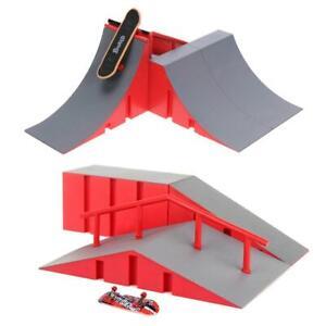 Mini Fingerboard Skate Ramp Finger Skateboard Set Kids Training Table Game UK