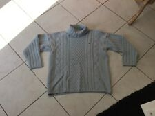 Pull LACOSTE taille 46 bleu laine