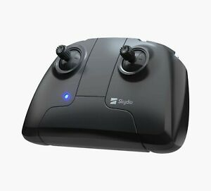 Skydio 2 Controller. Manually fly your Skydio 2