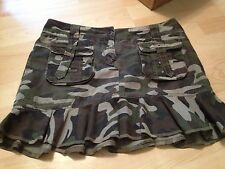 NWOT CAMOUFLAGE CAMO GREEN RUFFLE DDP SKIRT Size 40 s/m Patricia Fields