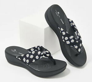 Clarks CLOUDSTEPPERS Cloud Steppers Arla Glison Printed Sandals Black Daisy Sz 9