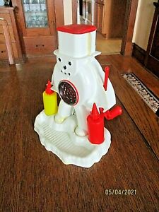 VINTAGE HASBRO  FROSTY Sno-Man Snow-Cone Machine 1967 shaved ice NO. 1