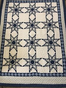 BEAUTIFUL HAND QUILTED BLUE AND WHITE QUILT