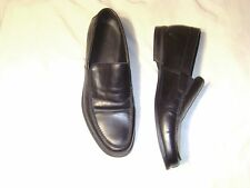 Saks Fifth Avenue black leather loafer style shoe   Size 8 1/2