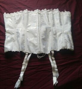 Fredrick's of Hollywood White Corset Size 42 Style Number 6109  #31
