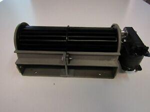 Ventilatore tangenziale motore destro 230V ventola da 18 cm.