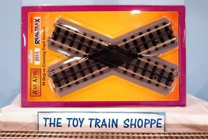 RAIL KING MTH 40-1007 REALTRAX 45 DEGREE CROSSING TRACK SECTION.  NEW IN PKG.