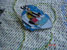 Disney Cast Lanyard Series 4 Pin Recreation Goofy Watercraft