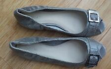 💃 💃 CALVIN KLEIN OPEN TOE  LEATHER FLATS   //    SIZE 9 💃💃