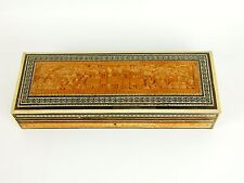 JEWELRY BOX. INDIA OR CHINA. SANDALWOOD. STONE AND METAL SCALE. 19-20TH CENTURY.