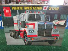 AMT WHITE WESTERN STAR RETRO DELUX EDITION 1/25 SCALE