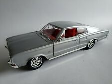 Road Signature 1966 Dodge Charger 426 Hemi Silver 1:18 Scale Diecast Model Car