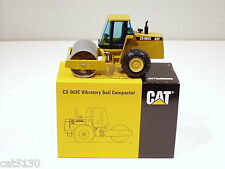 "Caterpillar CS563C Roller, Cab - ""LAUNCH EDITION"" -1/50 - NZG #401.1 - MIB"
