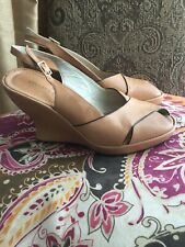 KENNETH COLE NY LEATHER BEIGE/LIGHT TAN PEEP TOE WEDGE HEEL SHOE WOMANS SZ 7.5M