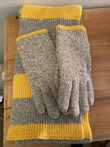 Gap Gloves And Scarf Set Mens
