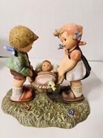 Berta Hummel Goebel BH-10 Goebel 1996 Figurine - Special Delivery