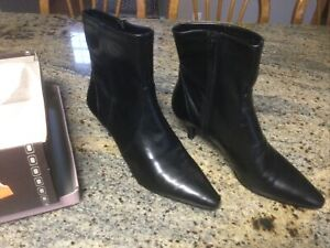 Womens Bandolino Black BDNIAMH Ankle Boot Faux Leather Size 10M
