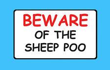 Cuidado de las ovejas Poo Pet explotación ganadera pequeño sosteniendo Pegatina Signo De Vinilo B56