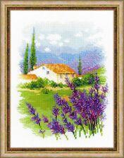 RIOLIS  1691  Ferme en Provence  Broderie  Point de croix  Compté