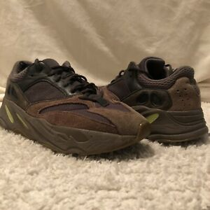 [Pre-Owned] Adidas Yeezy Boost 700 Mauve 2018 100% Authentic EE9614 Size 10