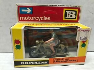 1974 1/32 SCALE IB BRITAINS AFRIKA CORPS. DISPATCH RIDER PLASTIC MOTORCYCLE
