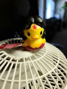 New Disney Duckz DC Wonder Woman Rubber Ducky Duck