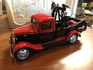 Crown Snap-On 1935 ChevyTow Truck 1:25 Scale Die Cast Replica  Road Service