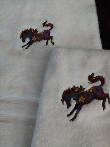 western bucking flower horse bath & hand towel 2 piece set