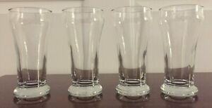 Libbey Craft Brews Beer Flight Glass Set with Wood Carrier, 4 Glasses (6oz. ea.)
