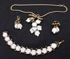 Vintage TRIFARI Patent#160,333 Milk Glass Parura Chain Clip-On Earrings Bracelet