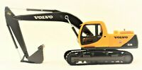 VOLVO EXCAVATOR DIE-CAST METAL AND PLASTIC |  1:50 SCALE MODEL TRUCK