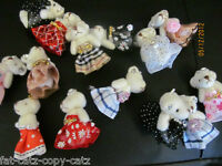 1 x TINY DOLL'S HOUSE JOINTED TEDDY BEAR MOBILE CHARM JEWELS DIAMONTE 4cm TALL