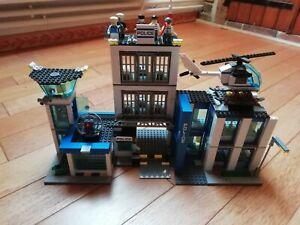 Lot lego commissariat de police 60047 incomplet avec personnages