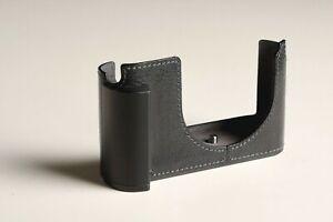 Lim's half case with handgrip for Leica Q typ 116, black leather + aluminium