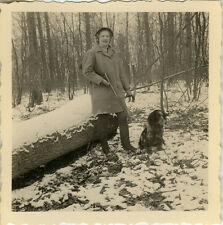 PHOTO ANCIENNE - VINTAGE SNAPSHOT - FEMME CHASSE CHASSEUR ARME - HUNTER HUNTING