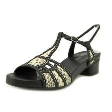 Zapatos de tacón de mujer de tacón bajo (menos de 2,5 cm) de color principal negro