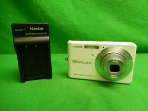 Casio EXILIM ZOOM EX-Z77 7.2MP Digital Camera - White w/ Battery and Charger