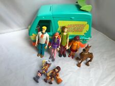 Scooby Doo Deluxe Mystery Machine play set with figures & Extras SO CLEAN EUC