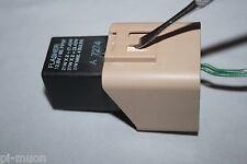 Toyota Lexus ES300 Denso OEM flasher turn signal hazard 3 pin RELAY 81980-12070