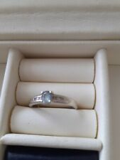 WHITE 9CT GOLD TOPAZ AND DIAMOND RING SIZE R