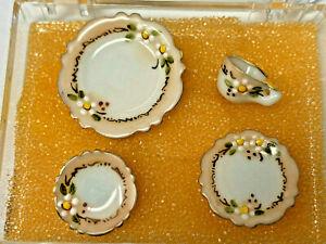 VINTAGE/NEW/ESTATE PORCELAIN FLOWER SETTING 2 plates/cup/saucer JO PARKER 1980s