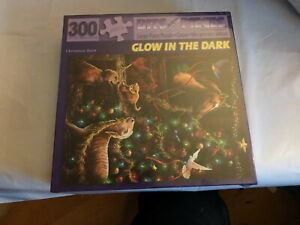 """New sealed 300 Piece Puzzle """"Christmas Barn""""Large pieces Glow in The Dark"""