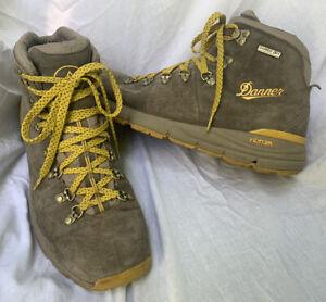 DANNER Mountain 600 Leather Hiking Waterproof Boots 9 Men's