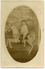 carte photo.card.enfant.cheval de bois.wooden horse.child.