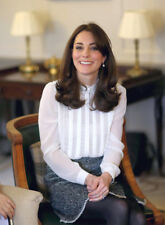 Kate Middleton UNSIGNED photograph - K9762 - Catherine, Duchess of Cambridge