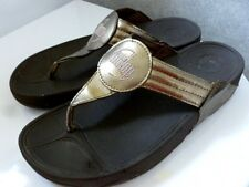 Womens FITFLOP gold leather upper toe post sandals. Size 7 (41)