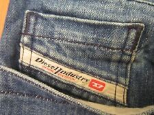 AUTH. DIESEL IND. RIVEC  ART# 793 RELAXED FIT MEN JEANS SZ 32 X 31 VIC-THOR1